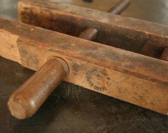 Vintage Wood Clamp,  Vintage Vise, Primitive, Vintage Carpenter's Tool, Old Tools, Wooden Primitive