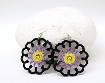 Round crochet earrings in three colors
