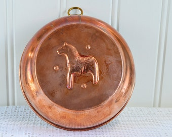 Dala horse copper mold, vintage Swedish country and cottage kitchen decor, farmhouse utensil