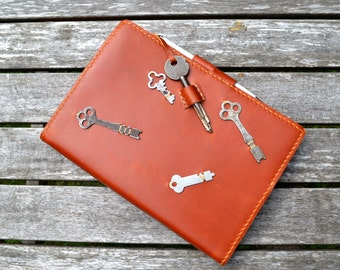 Tan leather notebook removable w/ vintage skeleton keys - Hand stitched