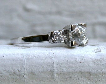 Beautiful Vintage Platinum Three Stone Diamond Engagement Ring - 1.10ct.