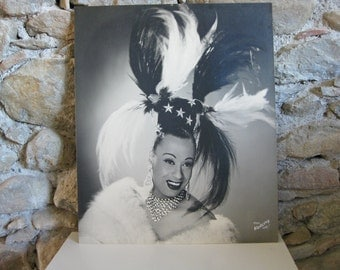 large publicity photo of female impersonator Hulla Djengo from the 1950s by Paul Koruna
