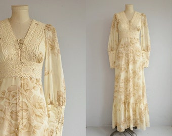 Vintage Gunne Sax Dress / 1970s Cream Floral Print Cotton Lace Maxi Boho Festival Dress