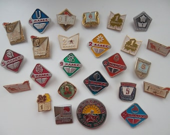 Set of 25 rare pin badges Soviet education, learning, school theme. 2 class, 6 class, 8 slass, Lenin, for excellent study. Made in the USSR.