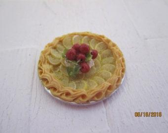 Miniature Dollhouse Pie       Free Shipping
