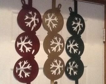 Three Ornaments / Christmas Wreath Holder