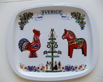 Vintage Swedish  metal tray with traditional motif of maypole, Dala hors, Dala rooster