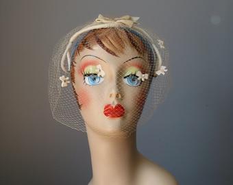 Veiled Headband  / Vtg 50s / Ivory Velvet Headband with bows, rhinestones and veil /