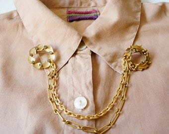 Upcycled Vintage Jewelry/ Vintage Sweater Guard/ Collar Clip/ Retro Jewelry/ Rockabilly/ Collar Brooch/ Vintage Brooch Recycled/ Brooch