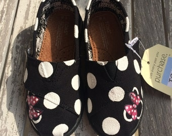 Black Minnie Mouse Polka Dot TINY TOMS with Fuchsia Bow