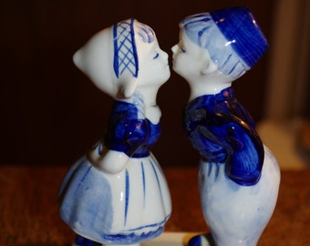 Delft Porcelain Kissing Couple