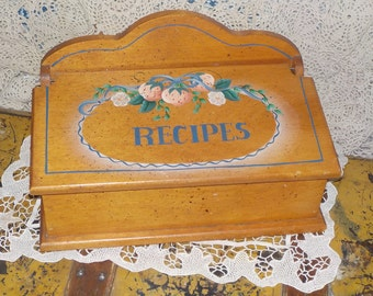 Recipe Box, Darling Wooden Double Recipe Box full of Country Charm, Kitchen Decor, Vintage Kitchen Decor, Vintage Home Decor,  /:)S