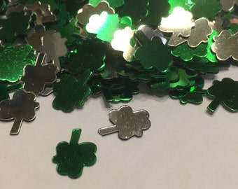 40 green and silver shinny shamrock confetti / sequins, 10 mm (30)