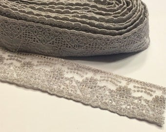 5 1/2 yards of vintage Taupe color lace , 1 1/4 inch wide (A11/1)