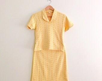 Vintage 60s Daisy Print Cotton Knit Set / Peter Pan Collar Top & Skirt Set / Two Piece Set / Novelty Print Retro Mod Set