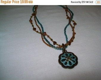 SALE 50% Off Vintage NR Enamel pendant bead necklace