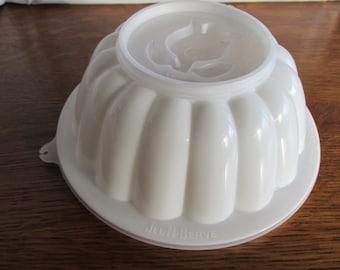 Vintage Tupperware Jel-N-Serve
