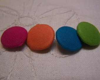 "Assorted Vintage 5/8"" Woven Fabric Covered Buttons, Set of 4 (no. 128)"