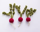 Pretend play radish - set of play food vegetables - Waldorf educational toy - amigurumi knitted vegetable magenta green child safe gift