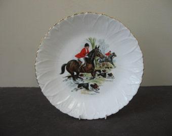 Vtg LIMOGES France Porcelain HUNTING SCENE Plate No. 4 Leaf Finish
