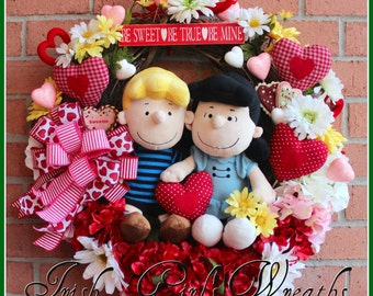 MADE TO ORDER- Peanuts Lucy & Schroeder Valentine Wreath, hydrangea, heart, Gerbera Daisies, red pink white yellow, Charlie Brown