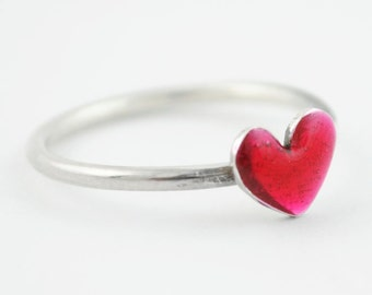 Tiny heart ring, sterling silver heart ring, Pink ring, minimal silver ring, Enamel jewelry, Anniversary ring, Small ring, midi ring