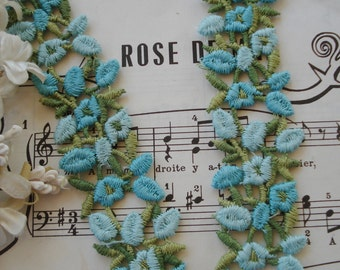 """1/2y Vintage 1 1/8"""" Schiffli Light Aqua Turquoise Petite Flower Venise Applique Lace Embroidered Trim French Doll Ribbon Novelty Sewing"""