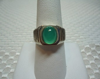 Oval Cabochon Chryoprase Ring in Sterling Silver   1761
