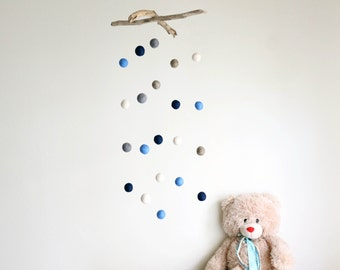 Driftwood Mobile with Felt Balls -- Baby Pom Poms Mobile -- Natural Nursery Decor -- Ready to Ship {Custom Order for Reagen}