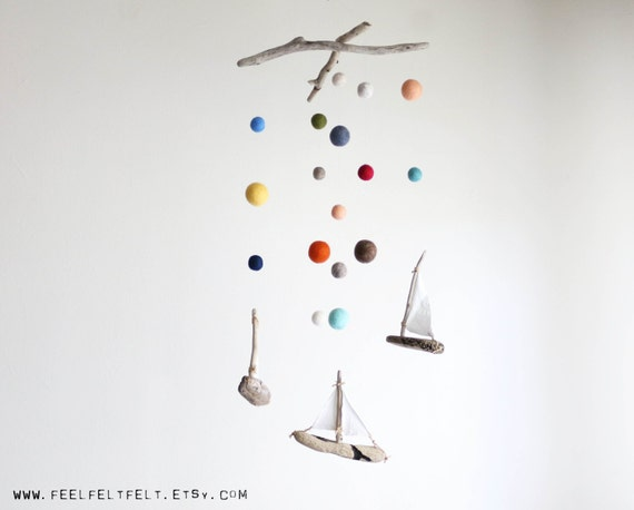 Driftwood Sailboats Mobile with Felt Balls / Poms size from 2.5 cm to 6 cm -- Wooden Ships Nautical Mobile -- Rustic Decor -- Ready to Ship