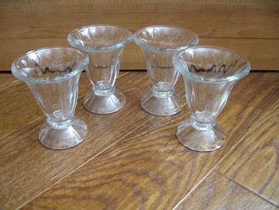 vintage pressed glass ice cream sundae parfait glasses set of. Black Bedroom Furniture Sets. Home Design Ideas