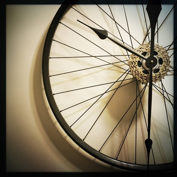 Bicycle wheel clock large wall clock bicycle by for Bicycle wheel wall art