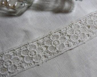 "1 Yard Vintage White Floral Lace 1"""