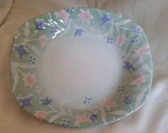 Andrea by Sadek Fashionable China Plate Purple and Pink Flowers
