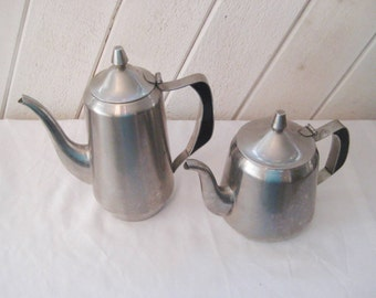 Stainless steel coffee pot or tea pot, Oneida, mid century, 50s 60s