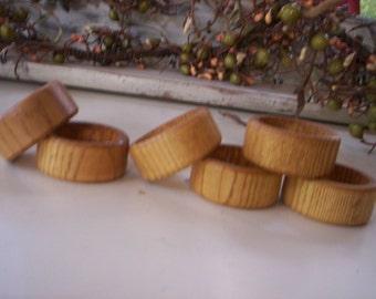 Wood napkin ring/Rustic napkin rings/Napkin rings/Home decor wood/Napkin decoration/Holiday decor/Home decor/Table decor/Solid wood ring