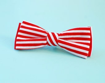 Baby boy bow tie. Christmas bow tie. Candy cane bow tie. Clip on boy tie. Boy baby shower gift. Boy 1st birthday outfit. Candy cane hair cli