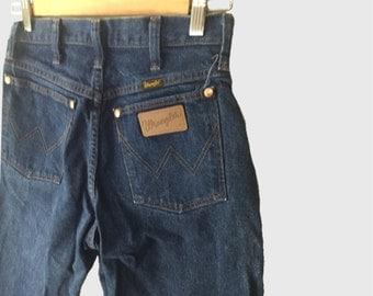 High Waisted Wrangler Mom Jeans Size 7