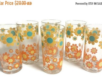 Retro Drinking Glasses, Flower Power, 1960s 1970s kitchen, Flower glasses, set of 6 tumblers, vintage glasses, daisy, orange, yellow, teal
