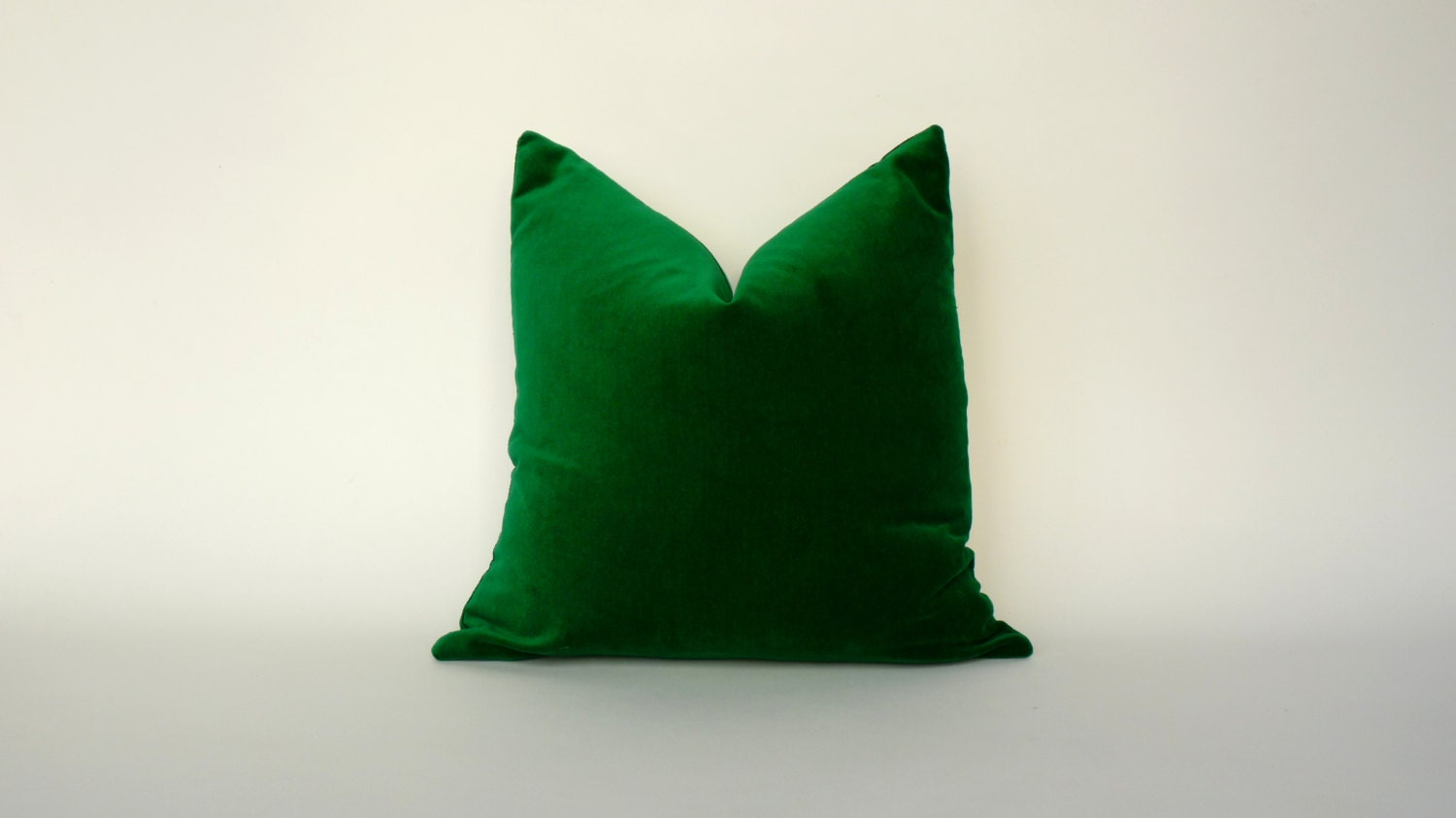 Kelly green velvet curtains -  Zoom