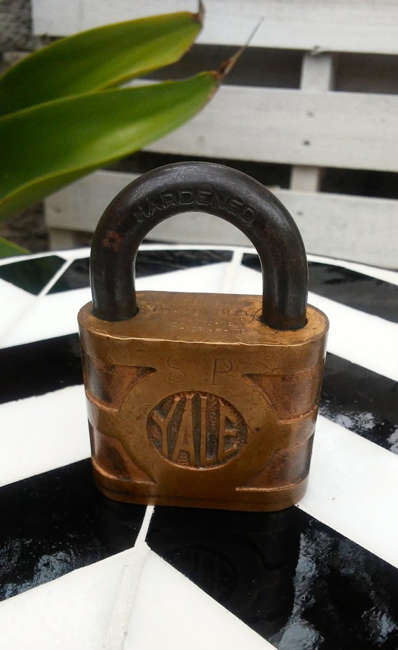 yale and towne lock dating I even have a very very old yale wafer lock i can get to pop  thanks for sharing another yale & towne lock picking .
