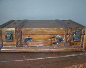 Vintage Primitive Handmade Wooden Suitcase Box Chest Wonderful Display