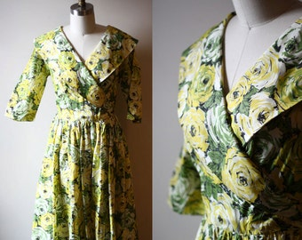 1950s green roses dress // wrap dress // vintage dress