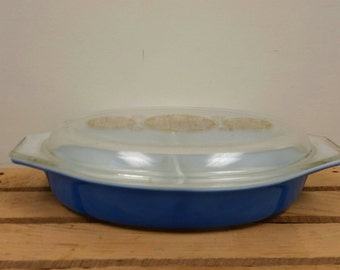 Pyrex Promotional Royal Blue Gold Medallion Divided Casserole Dish with Lid 26
