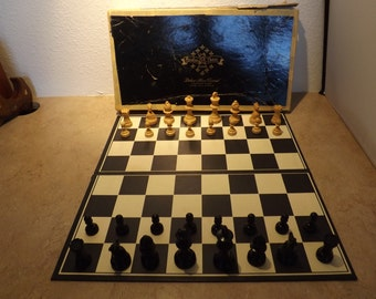 Deluxe Hand Carved Cavalier Chess Set