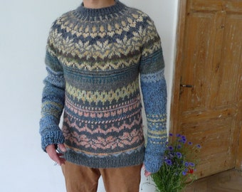 Handmade Icelandic wool and Icelandic style sweater with Latvian pattern