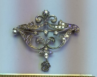 18 karat gold diamond BROOCH fine estate item