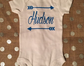 Baby Girl Coming Home Outfit; Baby Boy Coming Home Outfit;Personalized name with arrows onesie, baby boy, baby girl, baby shower gift
