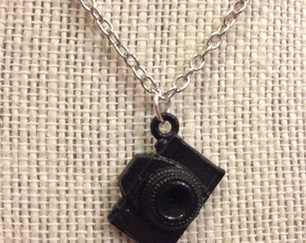 "16"" Hand-Painted Silver&Black Camera Necklace"