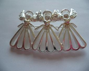 Vintage Unsigned Silvertone Openwork Trio of Angels Brooch/Pin
